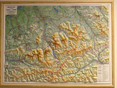 Beskydy / plastická mapa  1:66 666(X275)