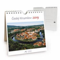 Český Krumlov - letecký / pohl. kal. na rok 2019-Kalendář je možno zavěsit na stěnu i postavit na stůl. Jednotlivé listy lze použít jako pohlednice.